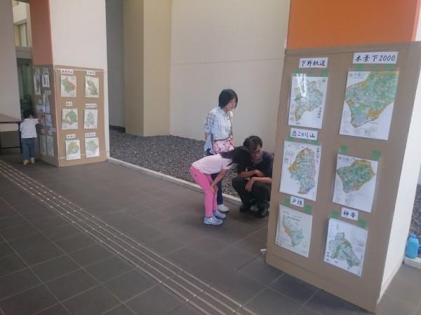 大会会場での歴代地図展示